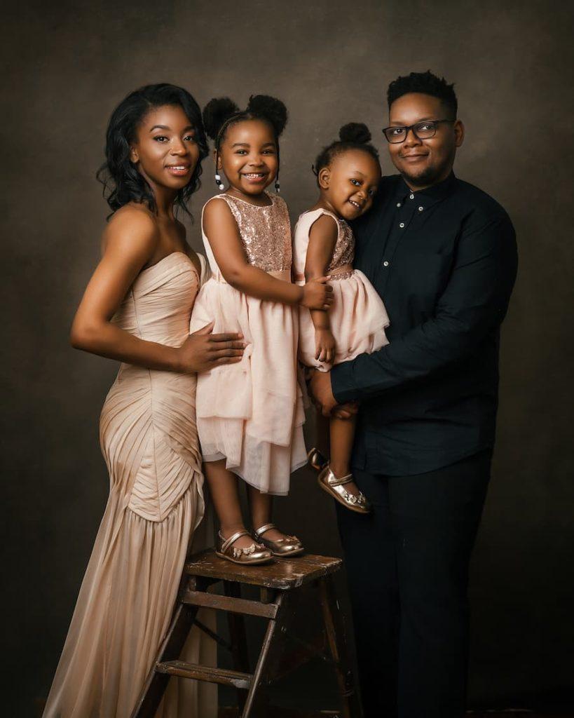 Family Photoshoot - Mum Dad & Children - Family Portrait Photography - Paulina Duczman