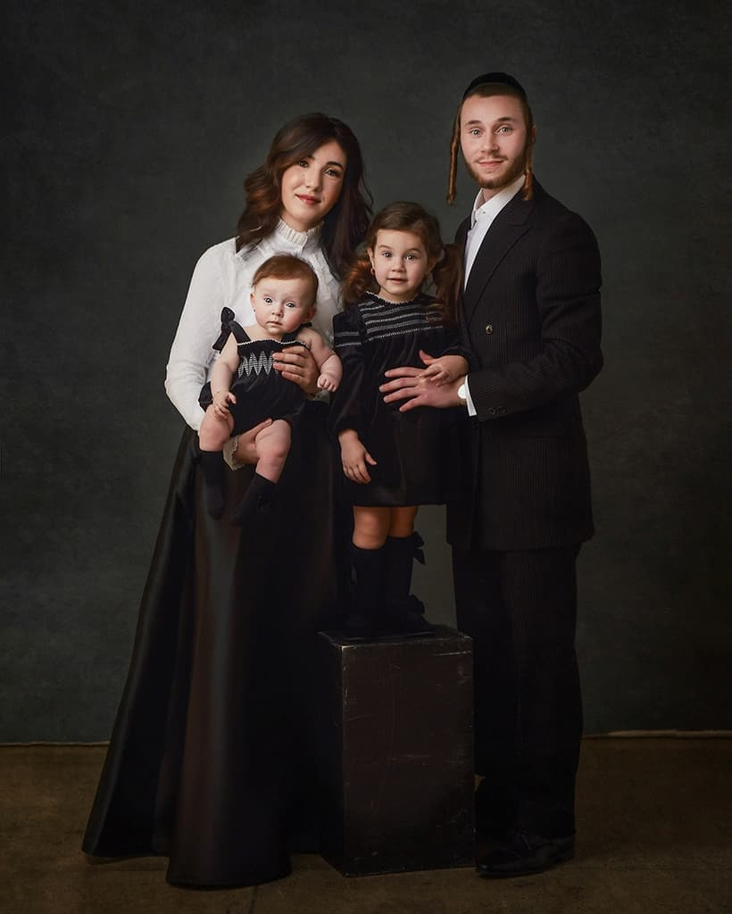 Jewish Family Portrait Photograph - Family Photography Kettering, Northamptonshire - Paulina Duczman Photography