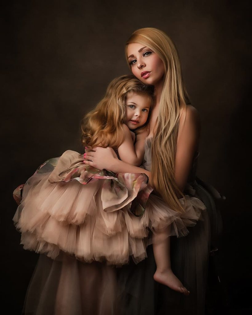 Mommy & Me Photoshoot - Maternity Portrait Photography - Paulina Duczman