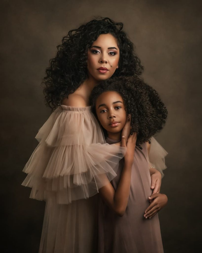 Mother & Daughter Photoshoot - Maternity Portrait Photography - Paulina Duczman