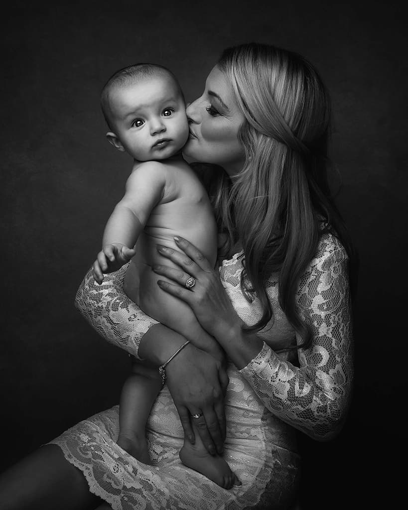 Mothers Day Portrait - Mommy & Me Photoshoot - Paulina Duczman Photography